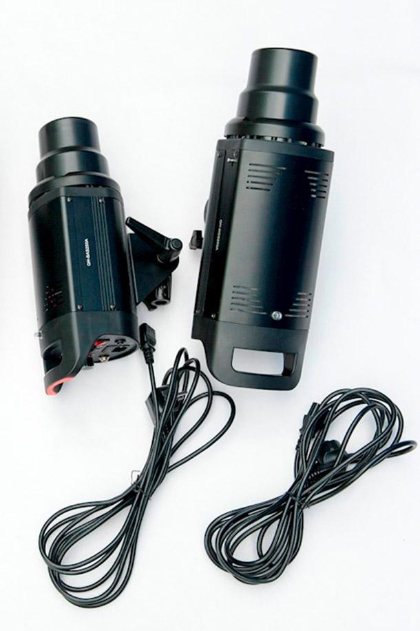 Rent 2 studioflitsers van 2... from MIRROR IMAGE PHOTOGRAPHY & FILM