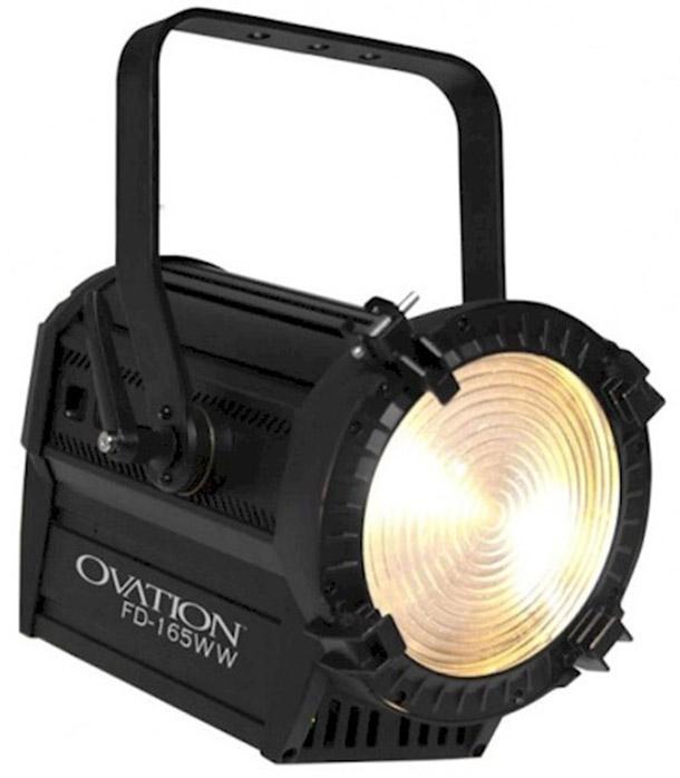 Huur LED Fresnel 160W met ZOOM van René