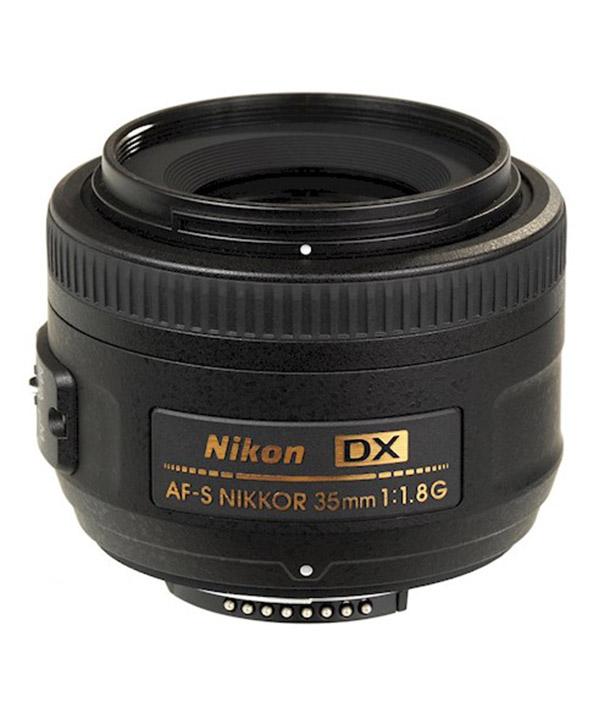 Huur een Nikon 35mm f/1.8 DX in Amsterdam van KAJ MOERENHOUT VIDEOPRODUCTIES