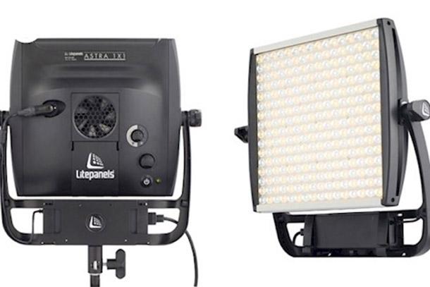 Louer un(e) Litepanels SET 2x Astra 1x1 Bi-Color LED 2000W + 2x Softbox Case + 2x Manfrotto Statief à Den Haag, Centrum de Thomas