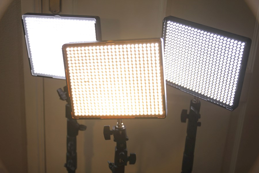 Rent Aputure LED set 3x AL-... from Wouter