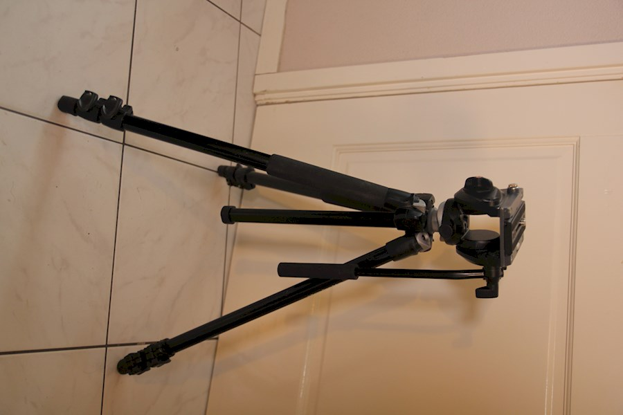 Rent Manfrotto statief met ... from Wouter