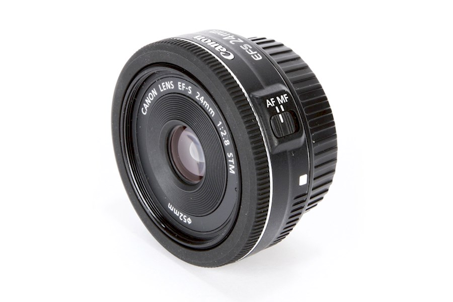Rent a Canon EF-S 24mm F/2.8 STM in Amsterdam from Muhammad Suffian