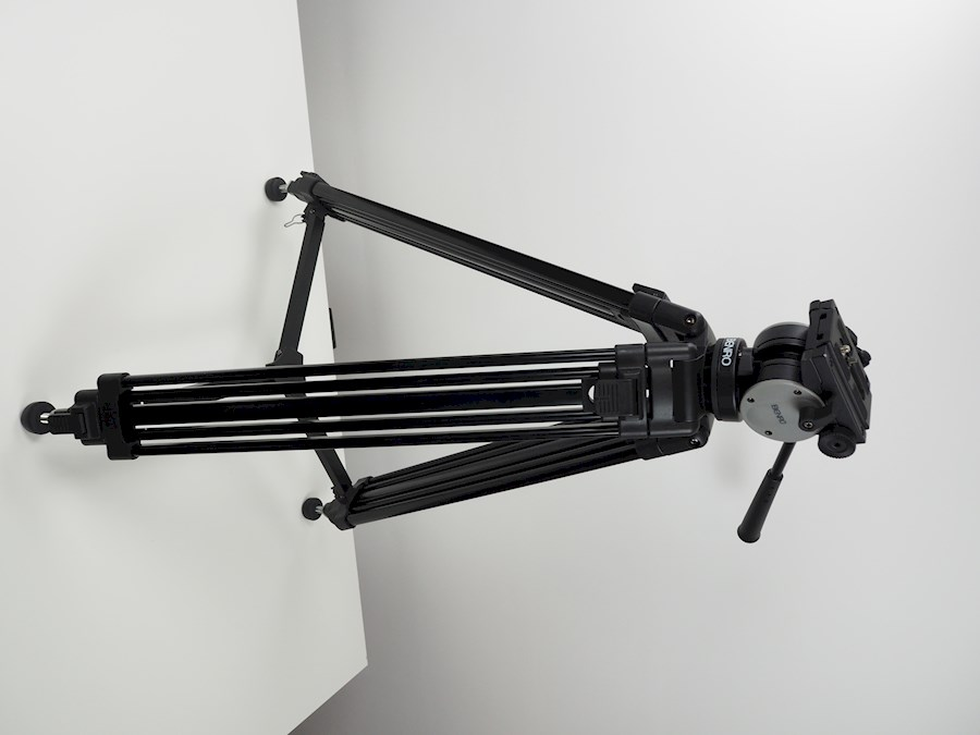 Rent a Benro tripod KH-25 + dolly + tas in Zwalm from Tuur