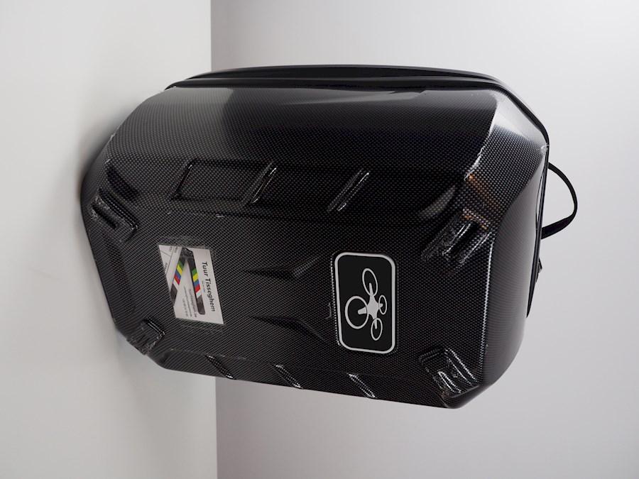 Rent a DJI Phantom 3 Advanced + 2 accu's + rugzak + filters in Zwalm from Tuur