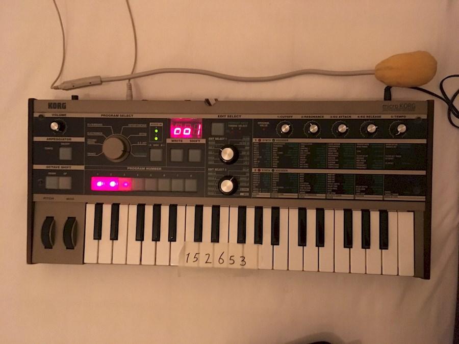 Huur een microKorg synthesizer/vocoder in Alkmaar van DJ Buzz Aldrin