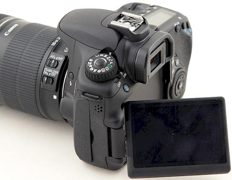 Huur een Canon 60D body. Voor fotografie en filmen. Ook met lenzen verkrijgbaar. in Utrecht van Lennart