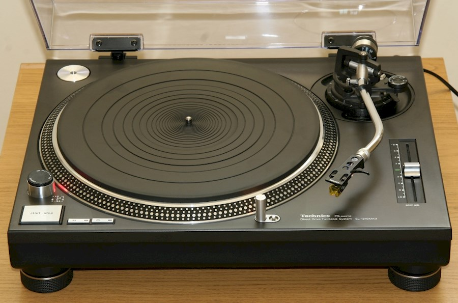 Rent a Technics SL1210 draaitafel in Zaandam from V.O.F. ALL STAR ENTERTAINMENT