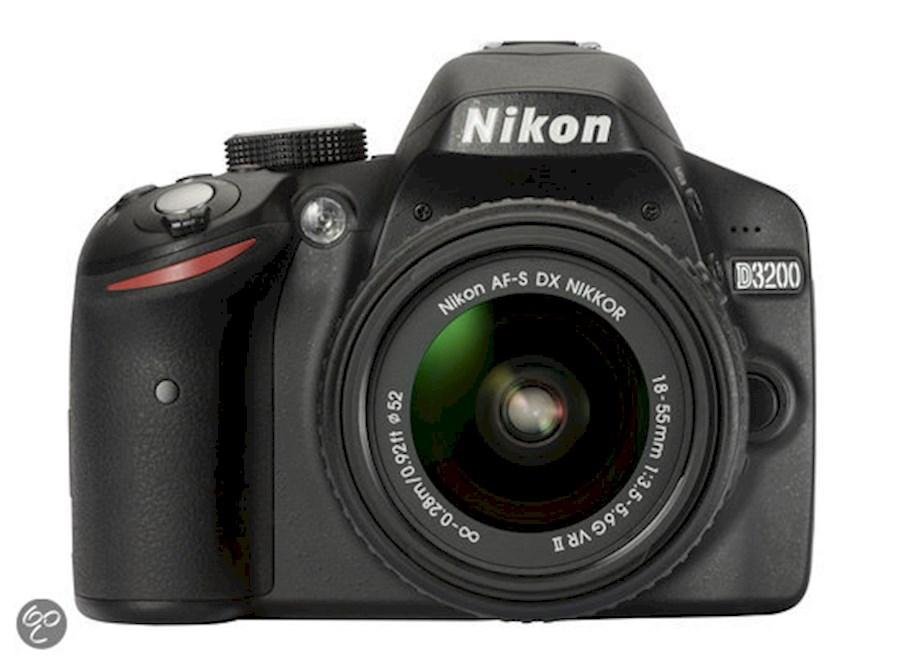 Huur Nikon D3200 Zwart van Baymert