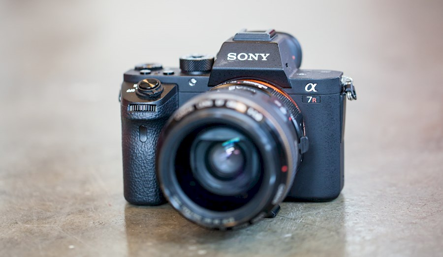 Rent a Sony A7R2 in Amsterdam from RISKE DE VRIES