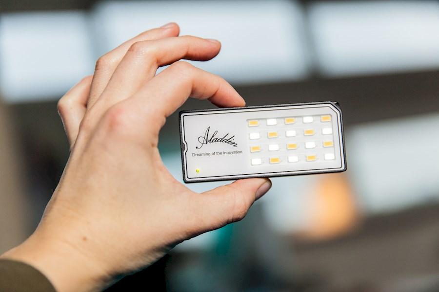 Rent a Aladdin Eye Light in Amsterdam from RISKE DE VRIES