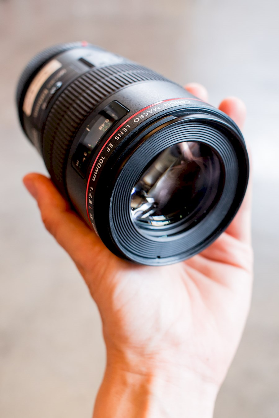 Rent a Canon 100mm f2.8 MACRO in Amsterdam from RISKE DE VRIES