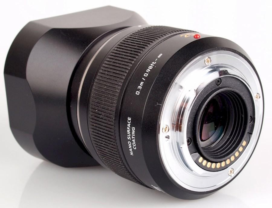 Rent a Panasonic Leica DG Summilux 25mm f/1.4 ASPH
