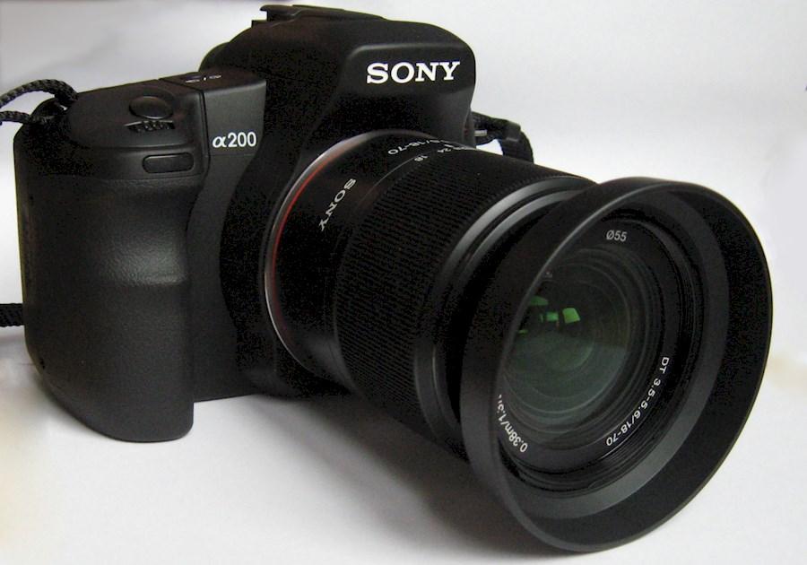 Rent a Sony CCD Spiegelreflexcamera + 18-55 + 70-300 + 3 accu's in Hoogeveen from Robin