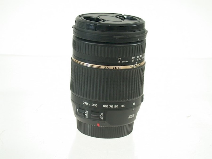 Rent a Nikon D5600 + tamron 18-270 lens + extra accu in Leerdam from Max