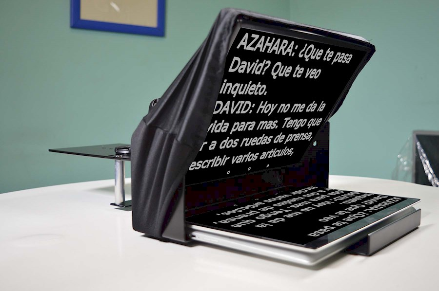 Rent Teleprompter voor Ipad from ( GEWOONNIETNORMAAL)