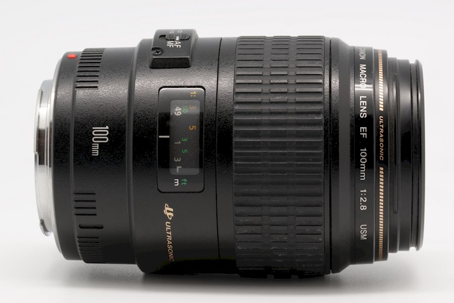 Rent a Canon EF 100mm f/2.8 Macro in Ede from Anthony