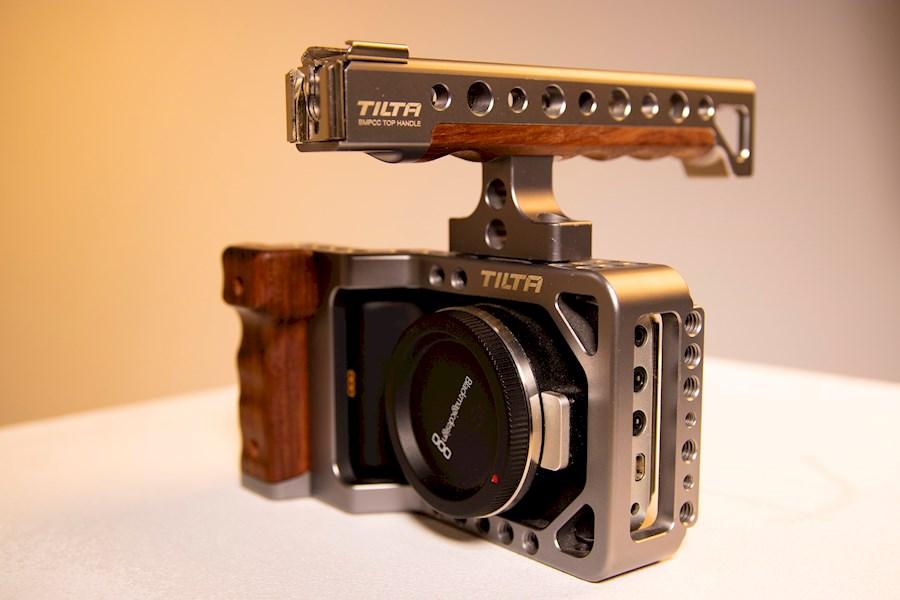 Rent a Black magic pocket Cinema Camera - Tilta Cage en Metabones speedbooster EF-Mount in Utrecht from Ties