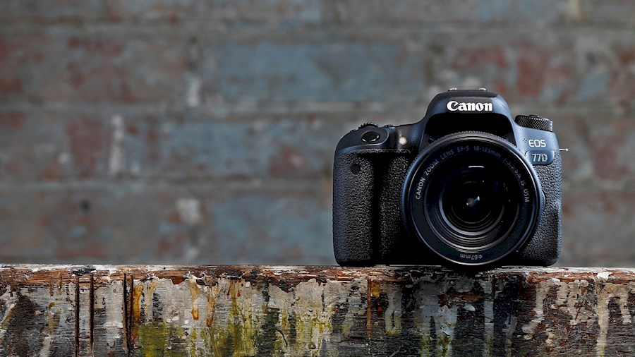 Rent a Canon EOS 77D in Namur from Vic
