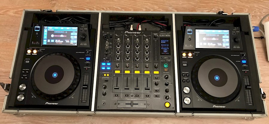 Rent Pioneer Xdj 1000 (x2) ... from Vincent