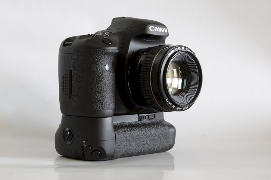Rent a Canon EOS 7D + BG-E7 in Rotterdam from Bram