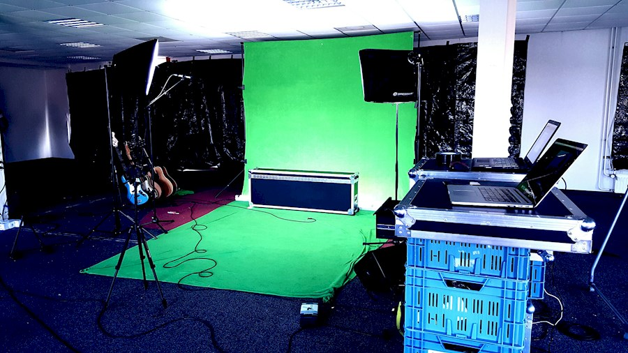 Rent a Greenscreen in Woudsend from FILMKE.NL