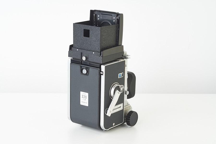 Rent a Analoge Mamiya C33 6x6 middenformaat camera set met 55, 80 en 135mm lenzen in Tilburg from R VAN DER HULST