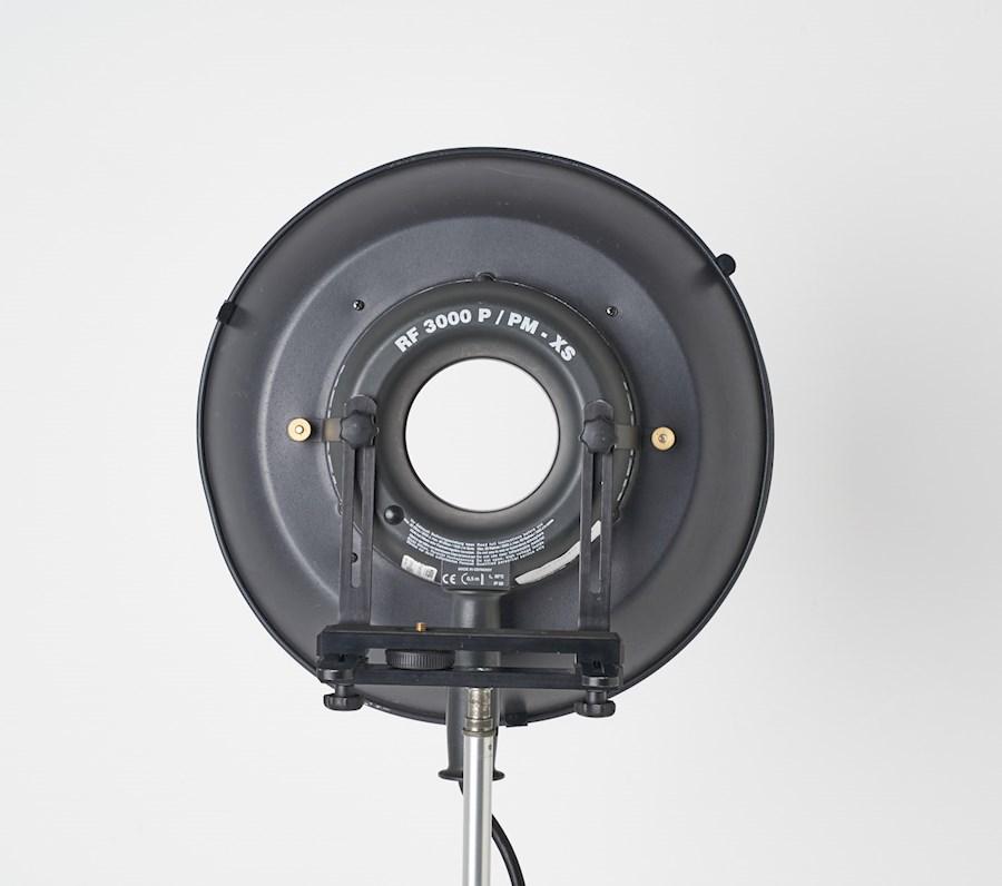 Rent a Hensel Ringflitser RF 3000P/PM-XS, ronde plug met RF reflector in Tilburg from R VAN DER HULST