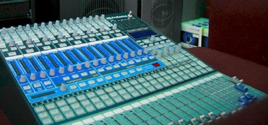 Huur een Presonus studiolive 164.2!kanaals mixer in Helmond van JM-LIGHT