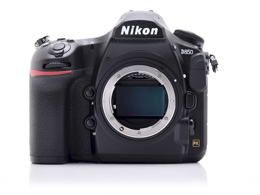 Rent a Nikon D850 in Herent from Bavo