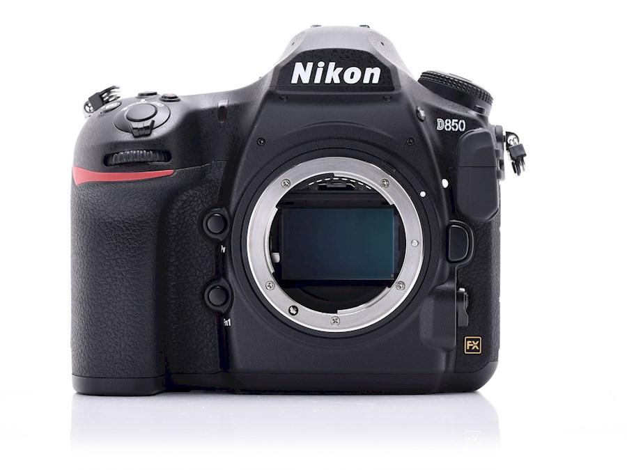 Huur Nikon D850 van Bavo