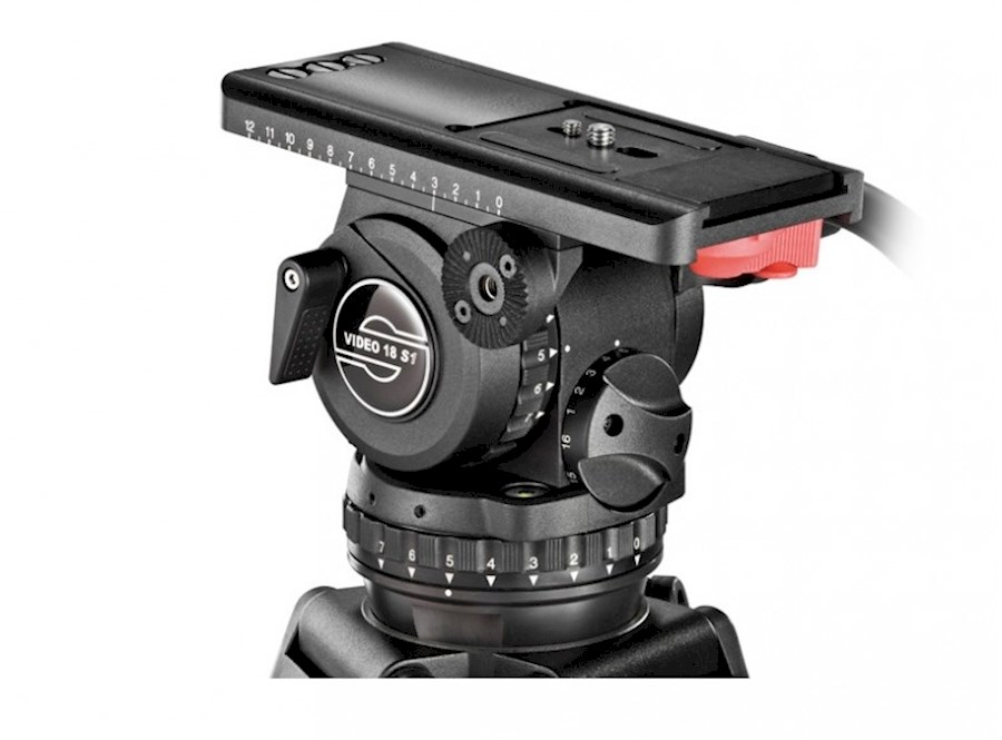 Rent a Sachtler Video 18 (2)  Head ENG 2 CF Tripod Spreader Telescopic Pan Handle Plate in Amsterdam from Rick