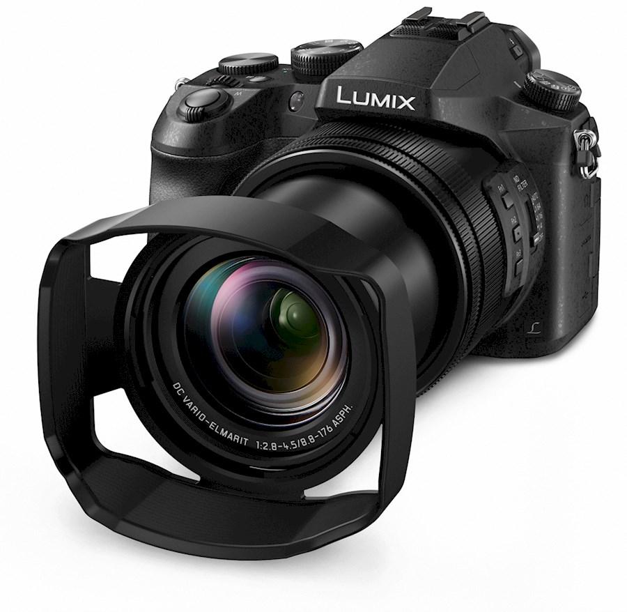 Rent a LUMIX 4K foto/video camera FZ2000 in Deventer from Christian