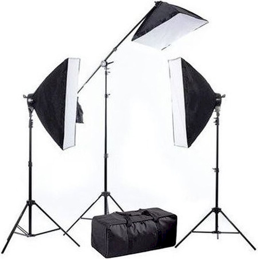 Rent a Daglicht studio set (1875watt totaal) - 3 softboxen op statief met diffuser, diverse reflectors & reflector-houder in Borne from Christian