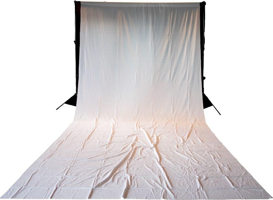 Louer un(e) achtergrond wit doek 3x 6 +3 andere kleuren doeken à Beringen de Mangelschots, Steven