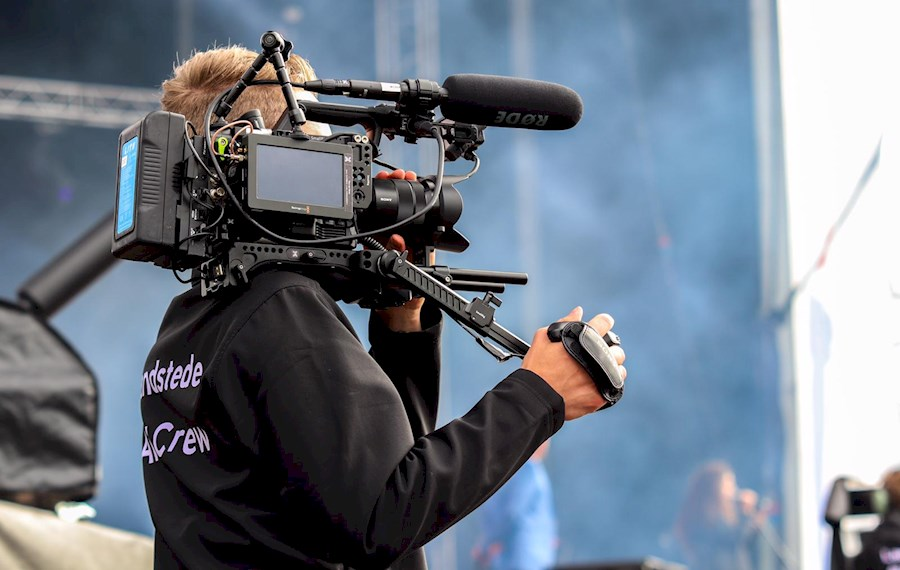Rent SONY PXW FS5 SHOULDER ... from Teun