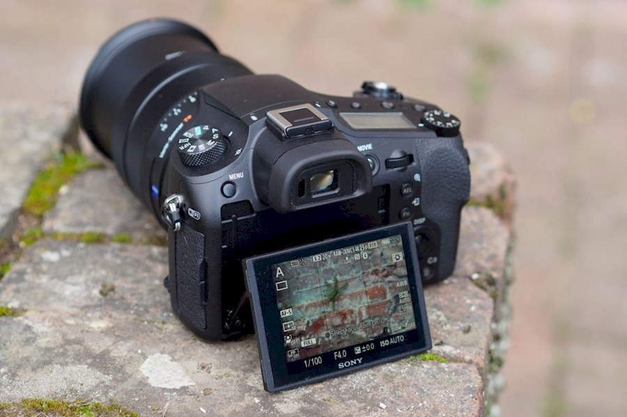 Rent a Sony RX10IV in Hoofddorp from C.G.D. COMPUTER GRAPHICS & DESIGN