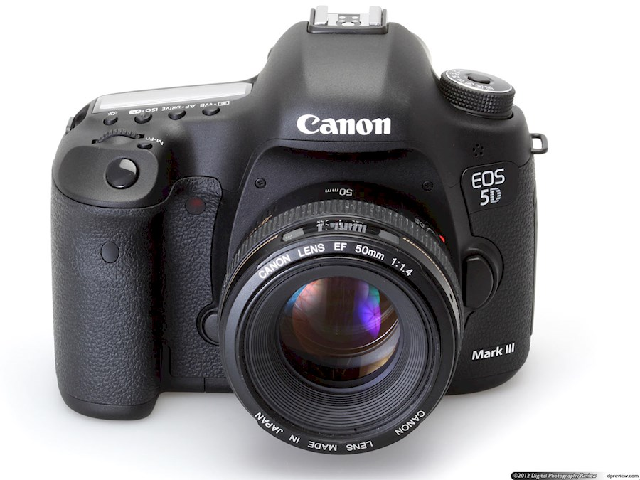 Rent a Canon Eos 5D Mark III in Paris from Serge