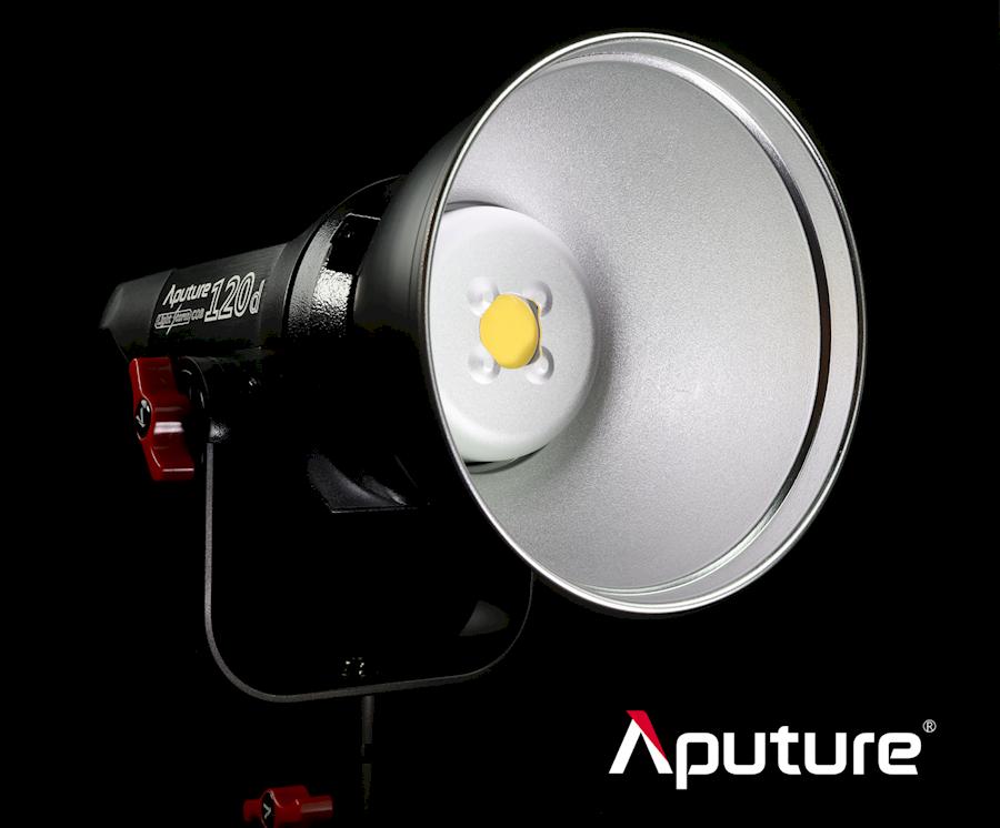 Rent a aputure light set 2x 120D II 1x 300D in Groningen from Cristiaan