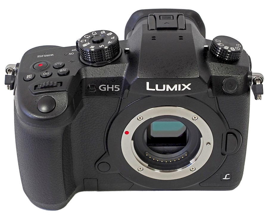 Rent Panasonic GH5 from Cealan