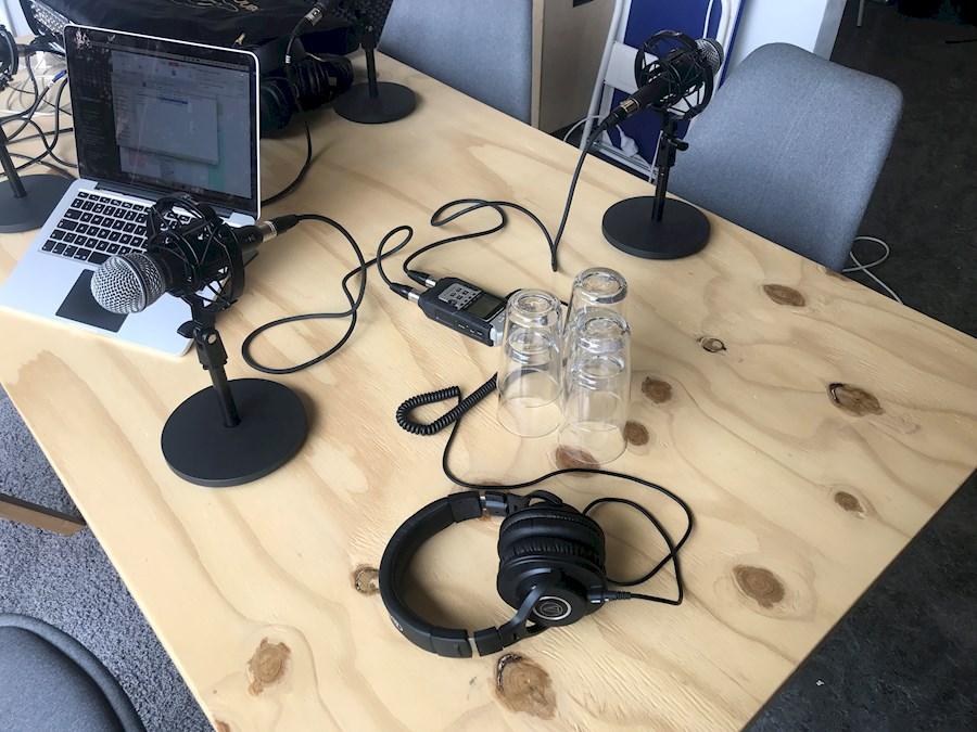 Huur een Podcast Kist - Ready To Go - 2 Personen in Leeuwarden van Alec