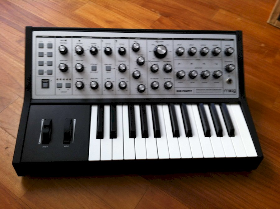 Rent Moog Sub Phatty from Marc