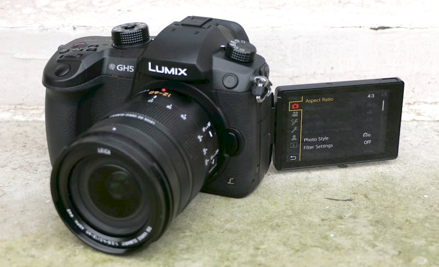 Rent Panasonic Lumix GH5 me... from Lonneke