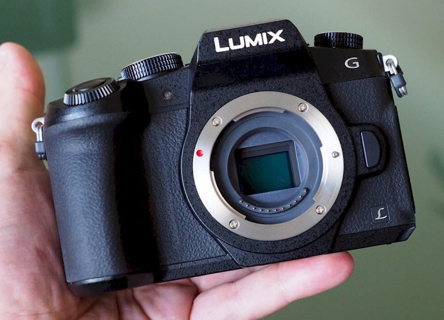 Rent a panasonic lumix g80 in Heerhugowaard from Shamshad