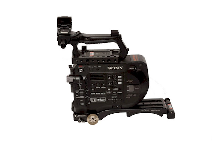 Rent a Sony FS-7 Set (lens 24-70 2.8, 2 v-lock batteries, 128 GB card) in Dendermonde from Gertjan