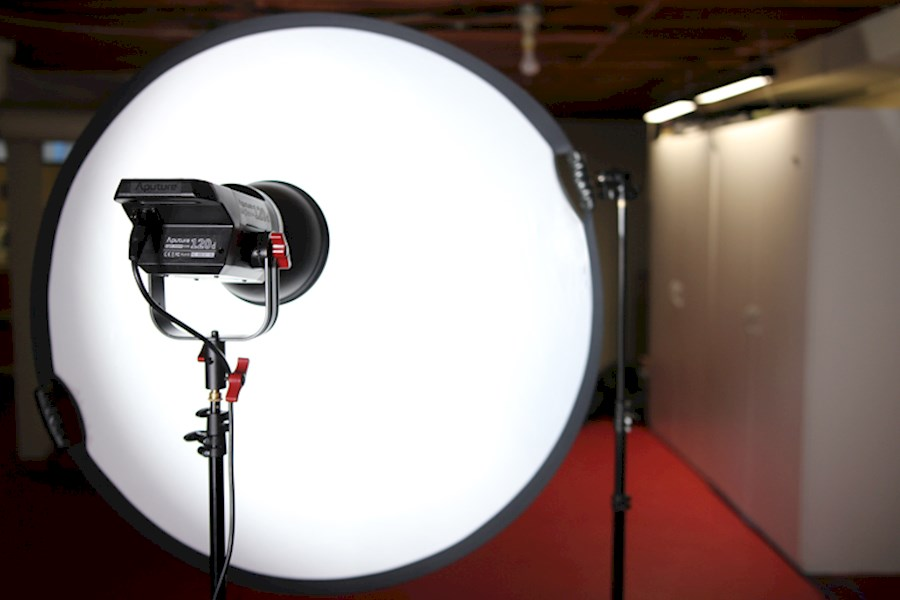 Rent a Aputure Light storm cob 300d Mark II with softbox in Nijmegen from FACEMAGIC PRODUCTIONS