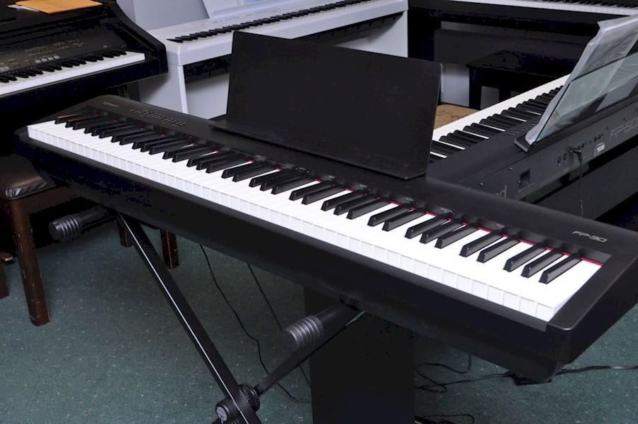 Rent a Digitale piano in Hilversum from DIGITALEPIANOHUREN.NL