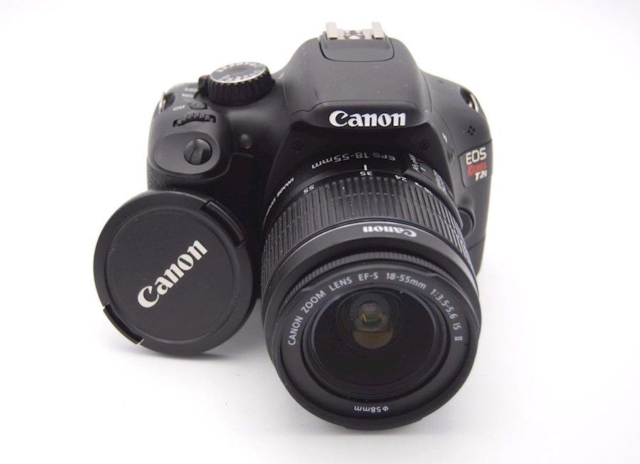 Rent a CANON EOS 550D + EF-S 18-55mm f/3.5-5.6 IS in Paris from Jerome