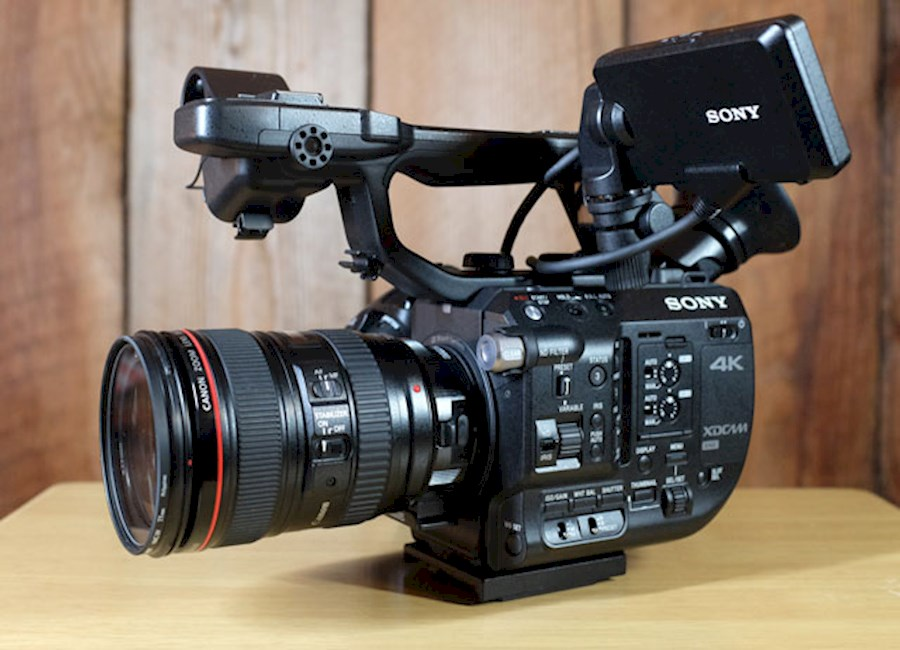Rent a Sony FS5 met oa. Zacuto Rig / Canon 24-105mm  / Shotgun mic / Think Tank bag in Amsterdam from LEVIEN PRIEM FILM & FOTOGRAFIE