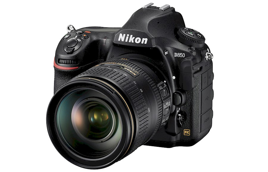 Rent a Nikon D850 in Paris from Hugues